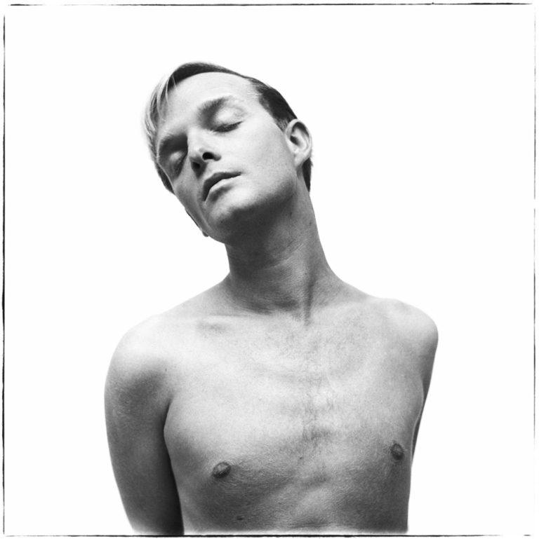 truman-capote-richard-avedon-photograph-1955